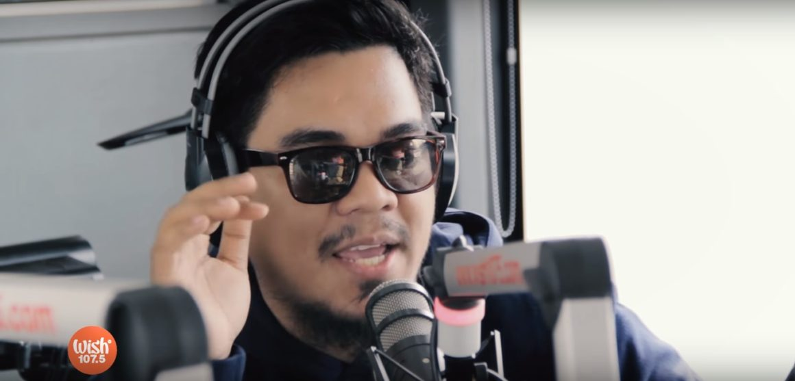 Flick-G performs Nakakamiss at Wish 107.5 Bus together with Smugglaz, Curse One and Dello